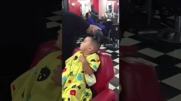 Here's The Solution To Calm Your Children At The Hairdresser