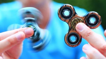 Pro Fidget Spinner Tricks