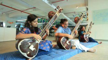 Sitar And Guitar Music By Chandrashekhar Phanse And Joslyn Braganza